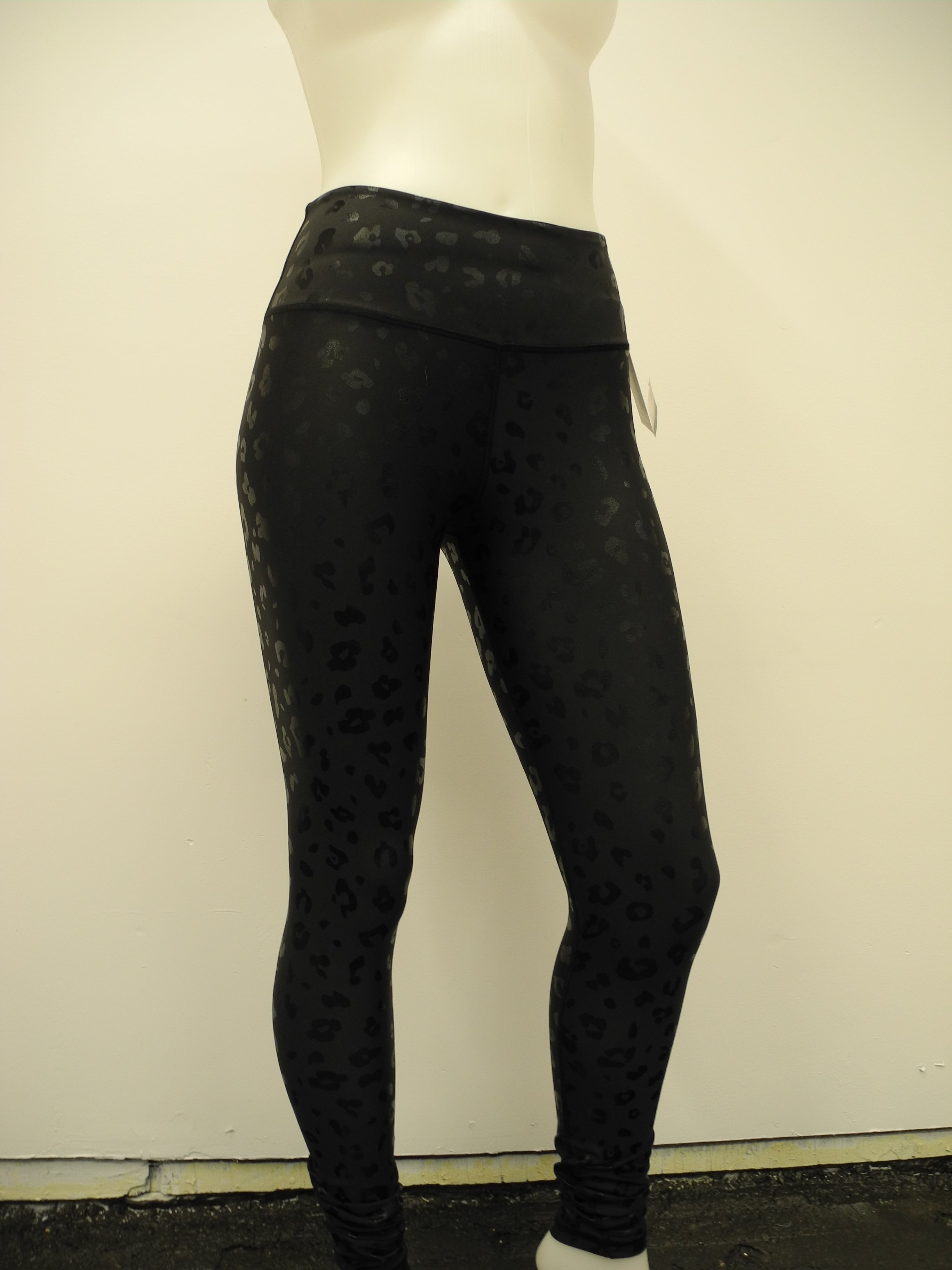 Aura Leggings - LeopardLife (NotSoBasicBlack Collection)