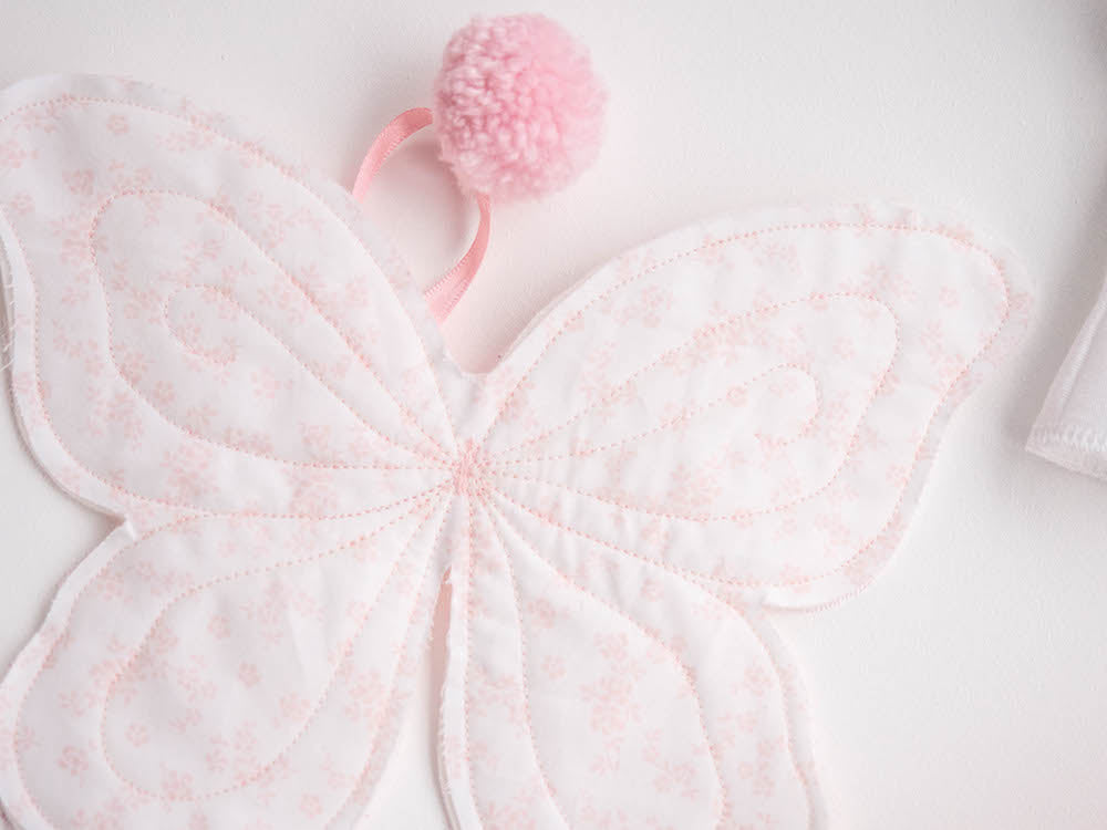 Accessories - Wings (Pink & white with pom pom)