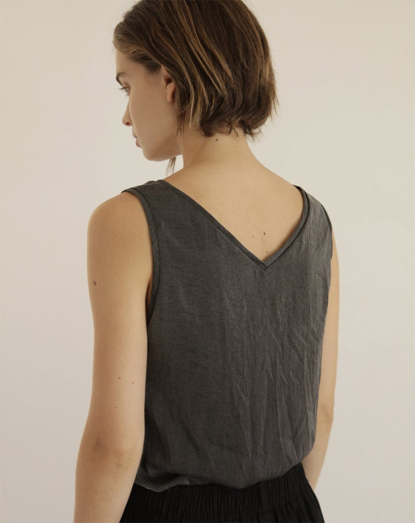 Amur Tanktop | Smoked Black