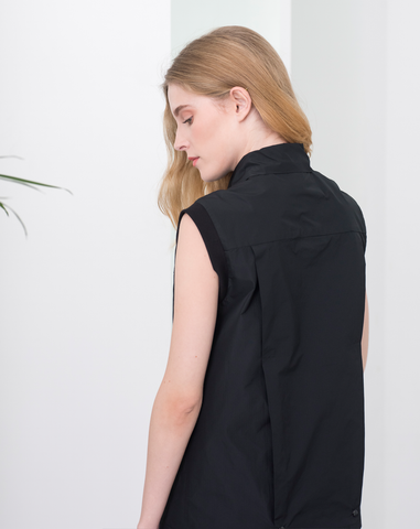 Monocline Sleeveless Blouse