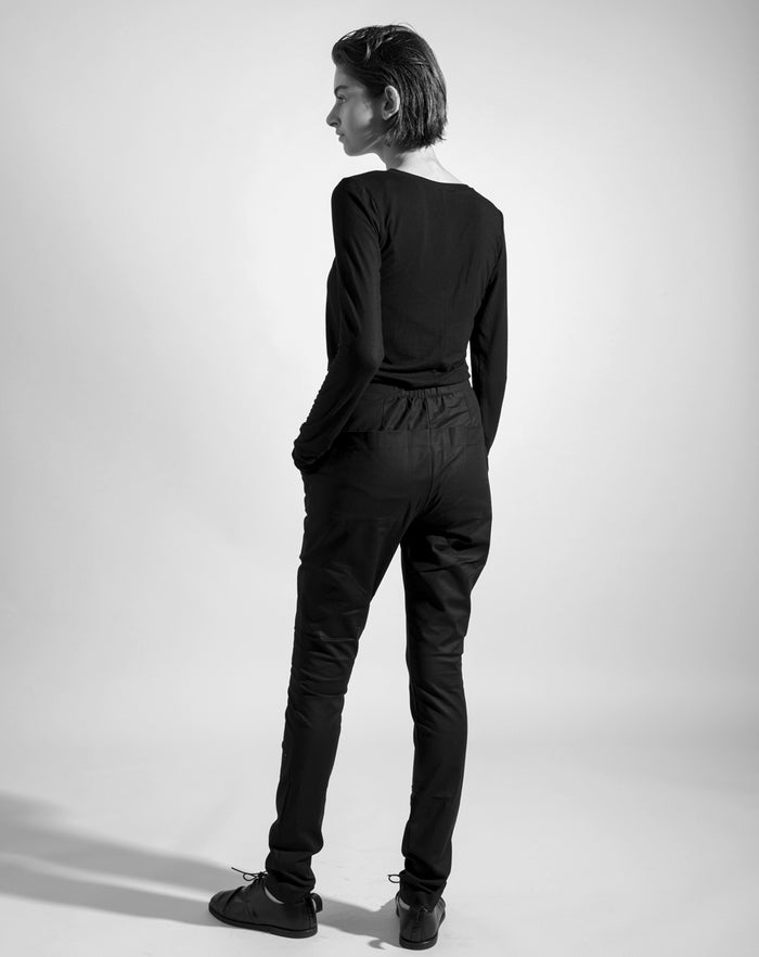 The 'Round pockets' Black Pants