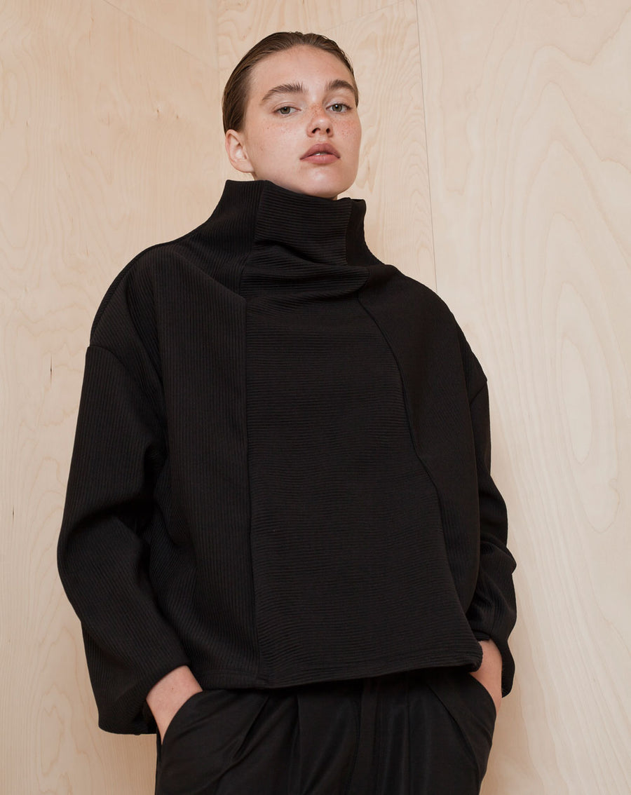 Wide Turtleneck Sweatshirt