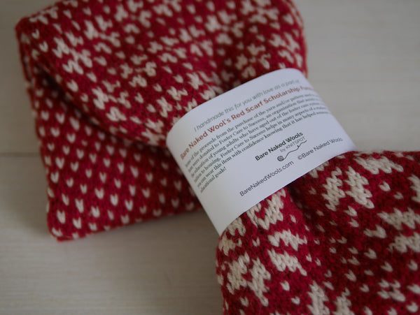 Red Scarf Gift Wrap Tag