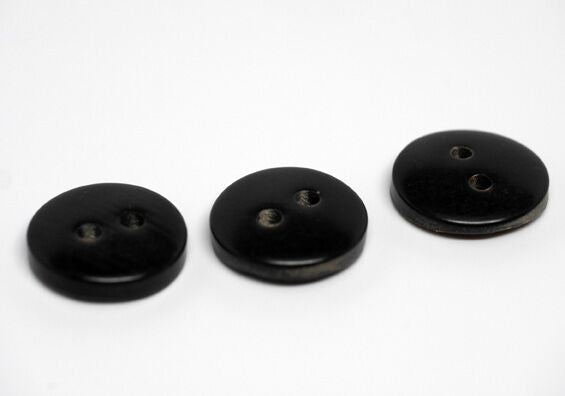 "Buffalo Horn Buttons ""Scotty"" (30L, 19mm, 3/4in)"