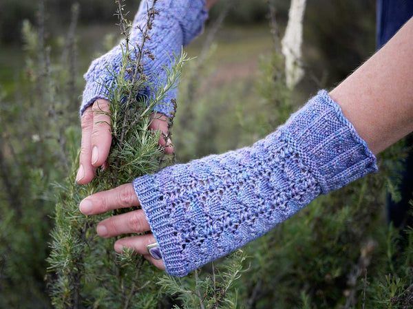 Eliza Lace Mitts