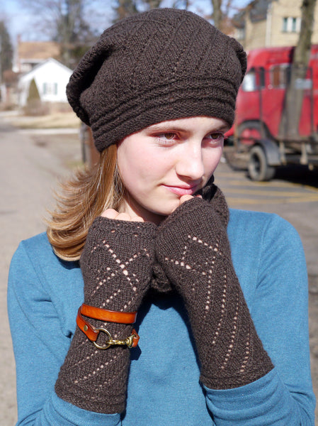 Peu Bourgeons Mitts and Hat