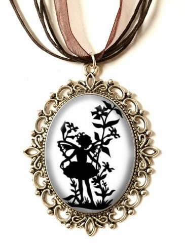 DEiTY FAERiE CHiLD SiLHOUETTE CAMEO NECKLACE