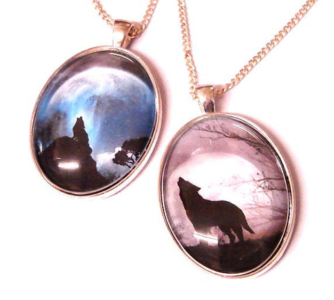 GREYWOLF CAMEO NECKLACE