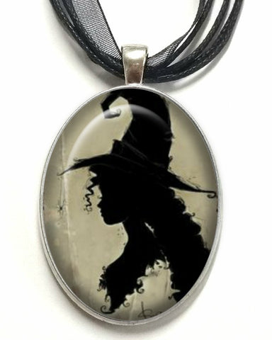 DEiTY WiTCH SiLHOUETTE CAMEO NECKLACE
