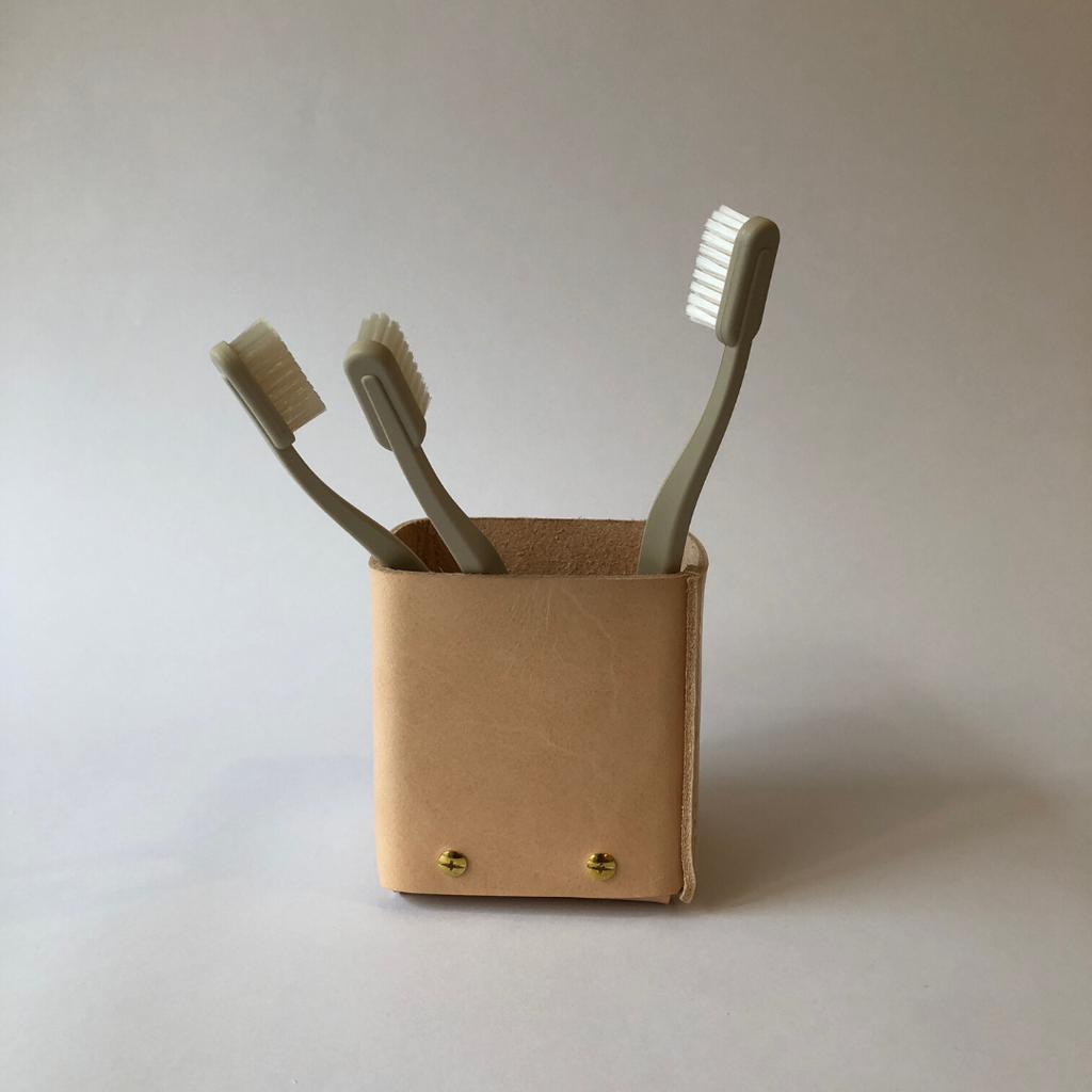 PEN HOLDER ONE