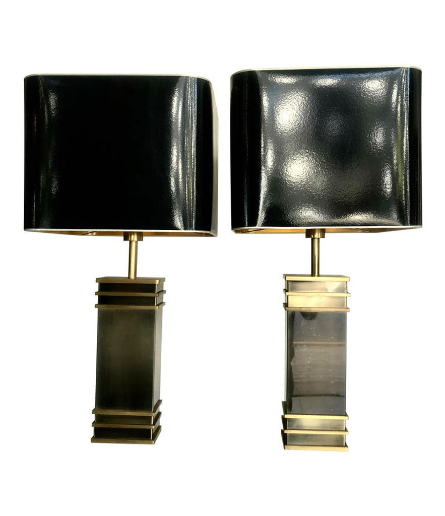 A PAIR OF ART DECO STYLE BRASS LAMPS WITH ORIGINAL SHADES