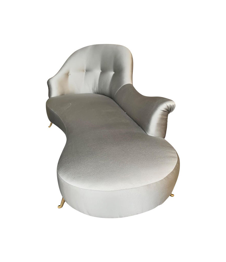 ITALIAN CHAISE LONGUE UPHOLSTERED IN CHAMPAGNE GREY FABRIC WITH BRASS FEET
