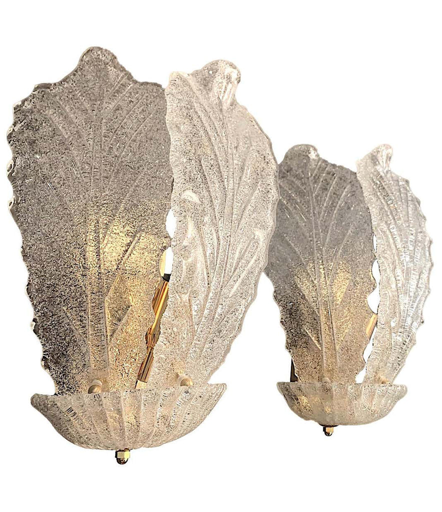 PAIR OF BAROVIER LARGE 1960S MURANO GLASS LEAF SCONCES WITH BRASS FITTINGS