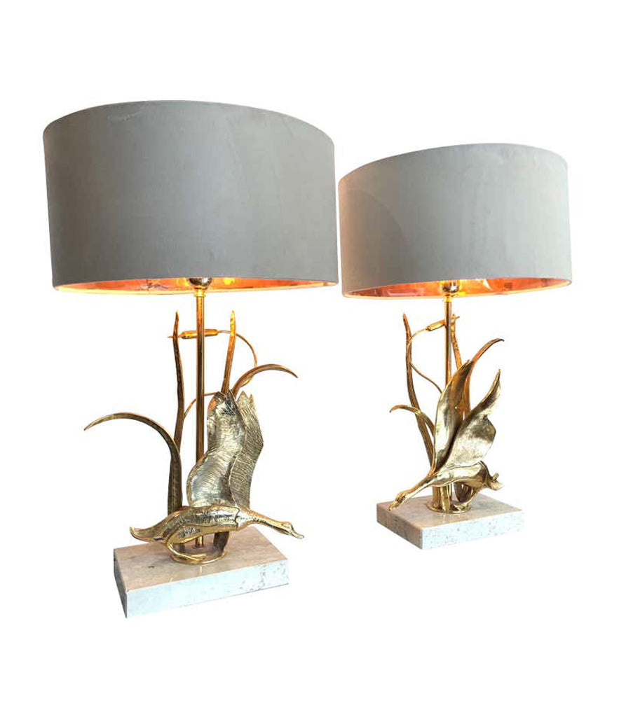 LOVELY PAIR OF 1970S BRASS FLYING DUCK LAMPS ON TRAVERTINE BASES BY L. GALEOTTI