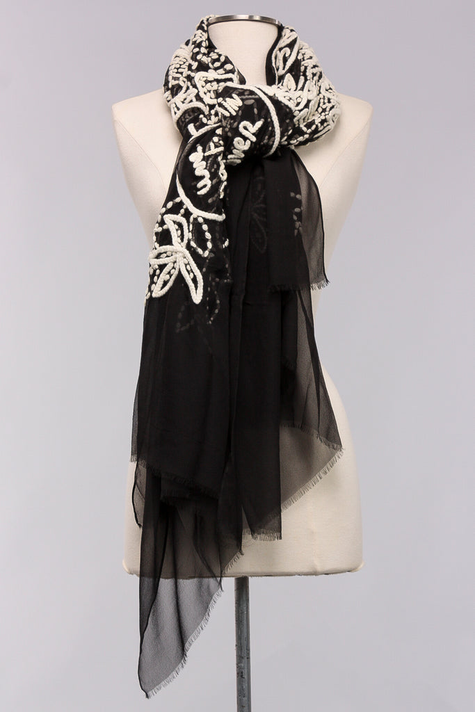 Jardin 'Hiver Embroidered Scarf in Black