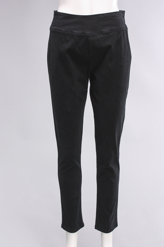 Define Yourself Ankle Pants in Black