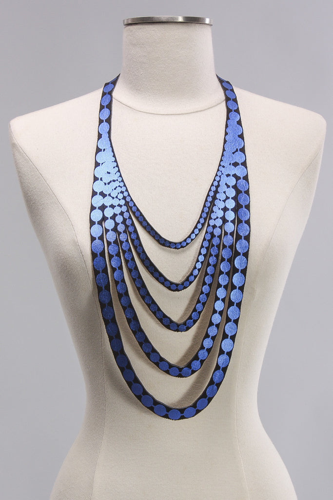 Short Pearl Necklace in Royal