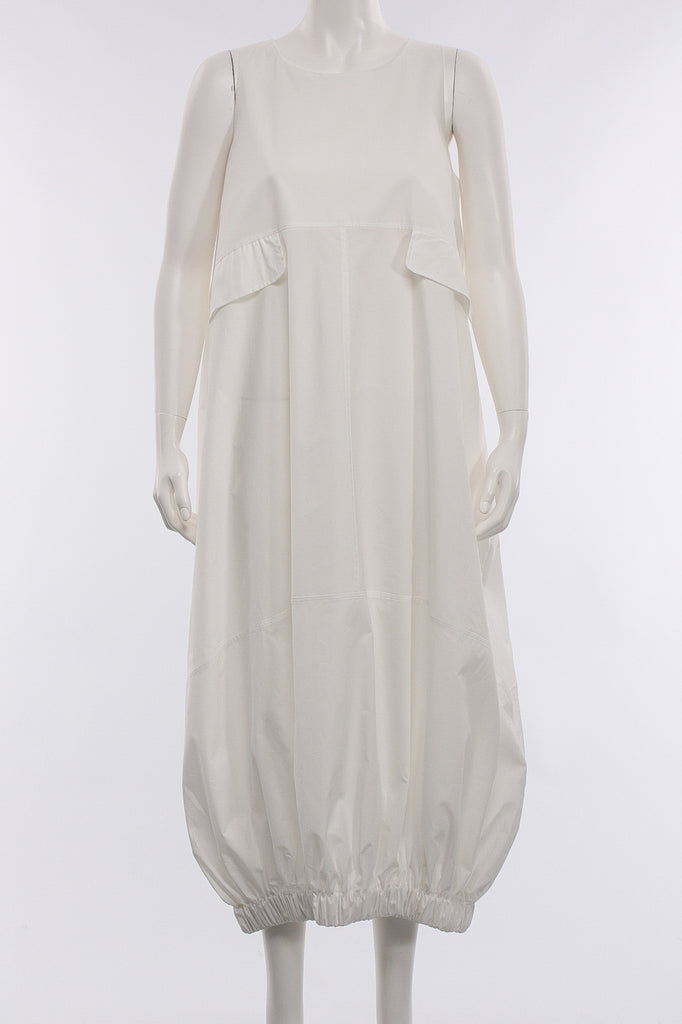 Long Sleevelees Dress in White