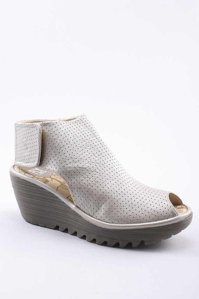 Yahl Wedge Sandal in Silver