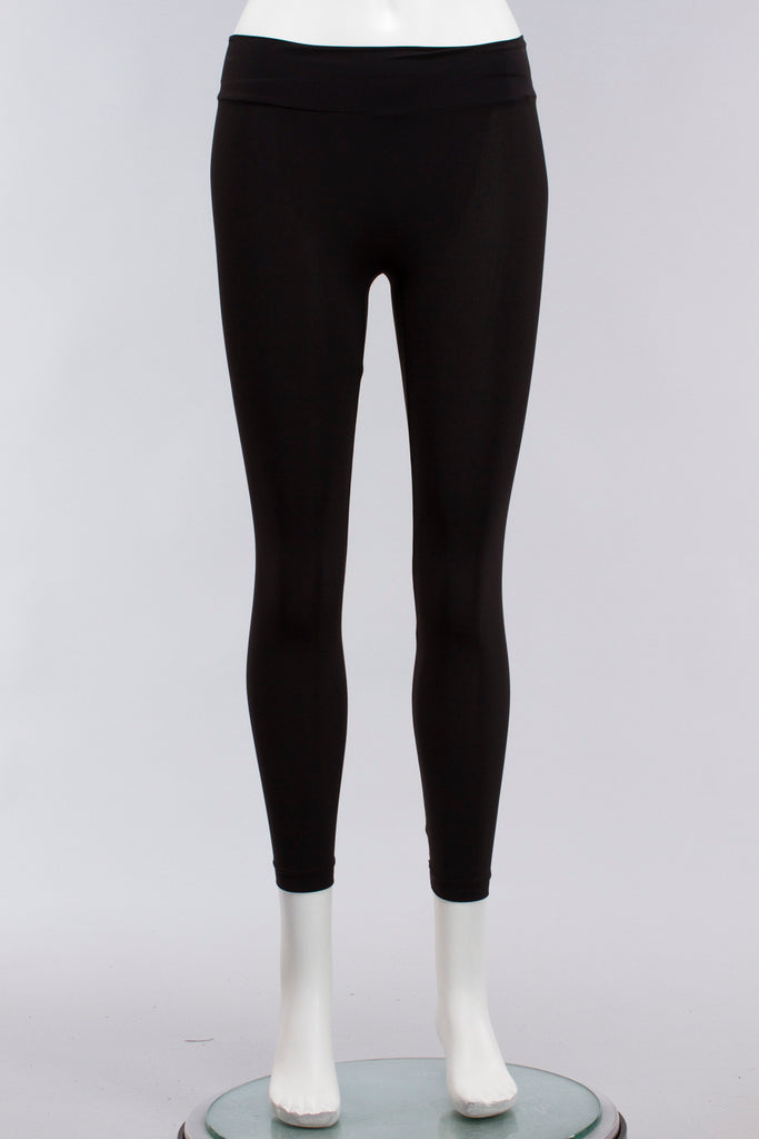 Cropped Low Rise Legging in Black Microfiber