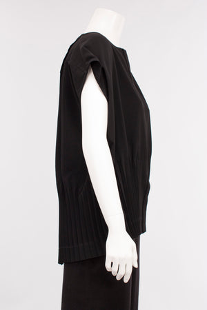 Pleated Vest in Black Microfiber