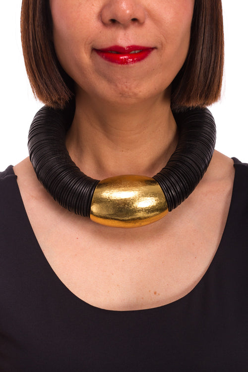 Acacia Necklace in Black/Gold