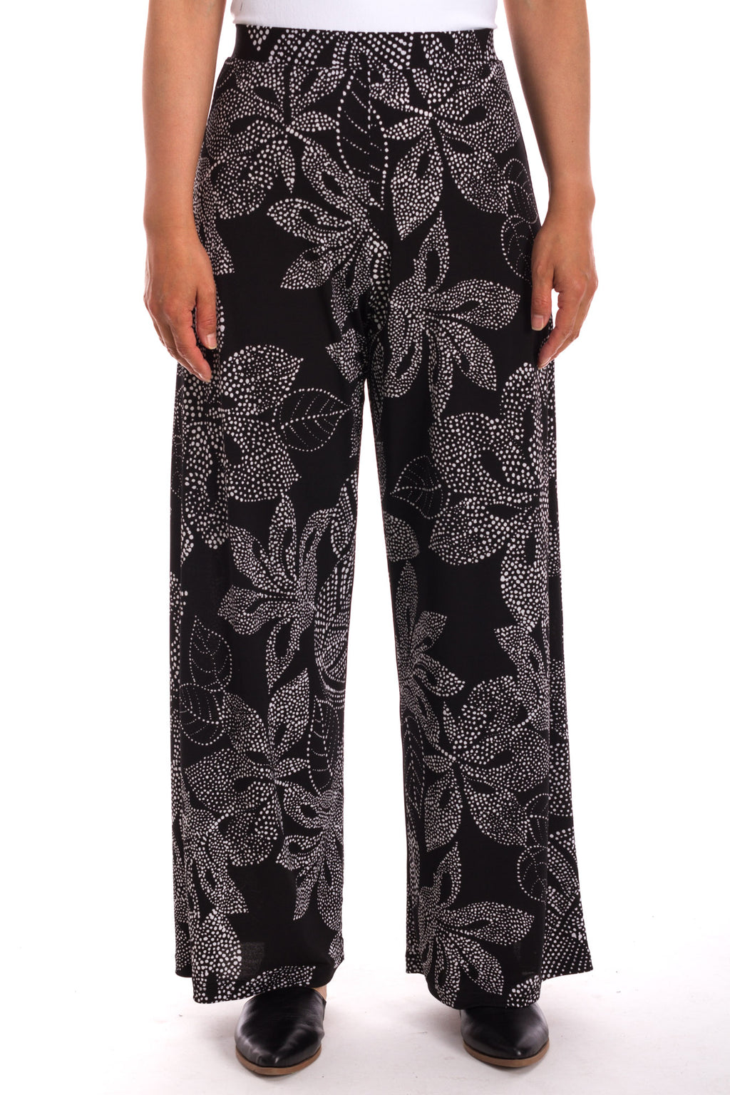 Full Pant in Dotted Floral Print