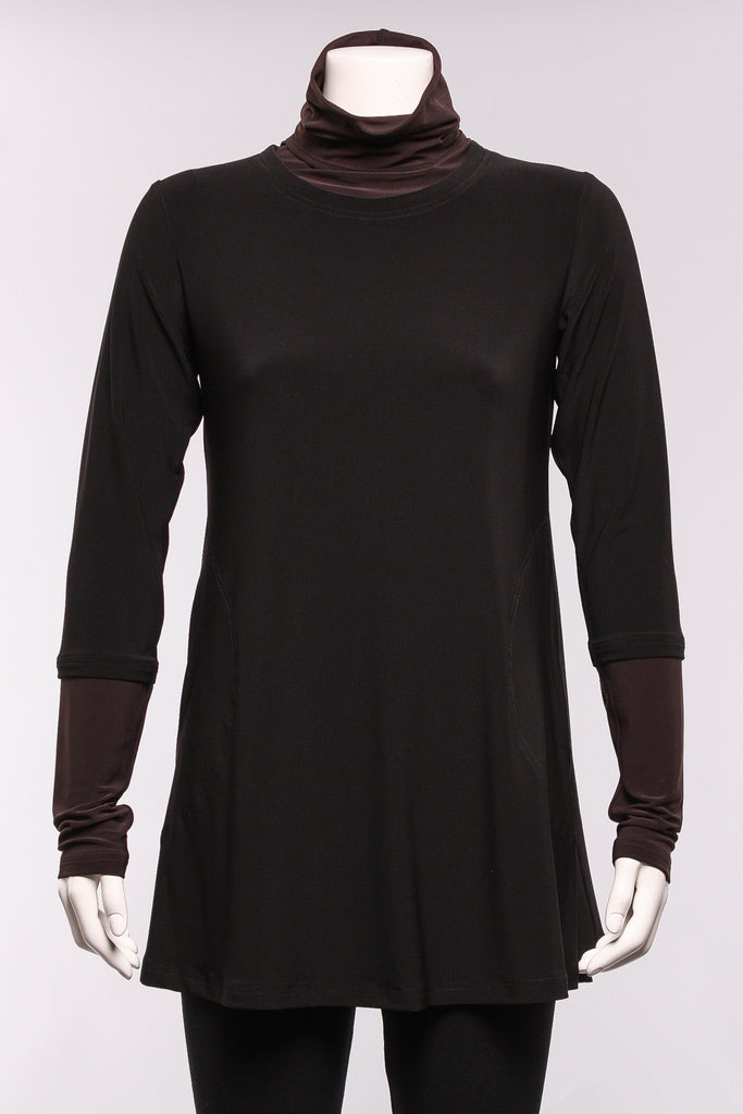 Matrix Turtleneck Tunic in Black/Espresso
