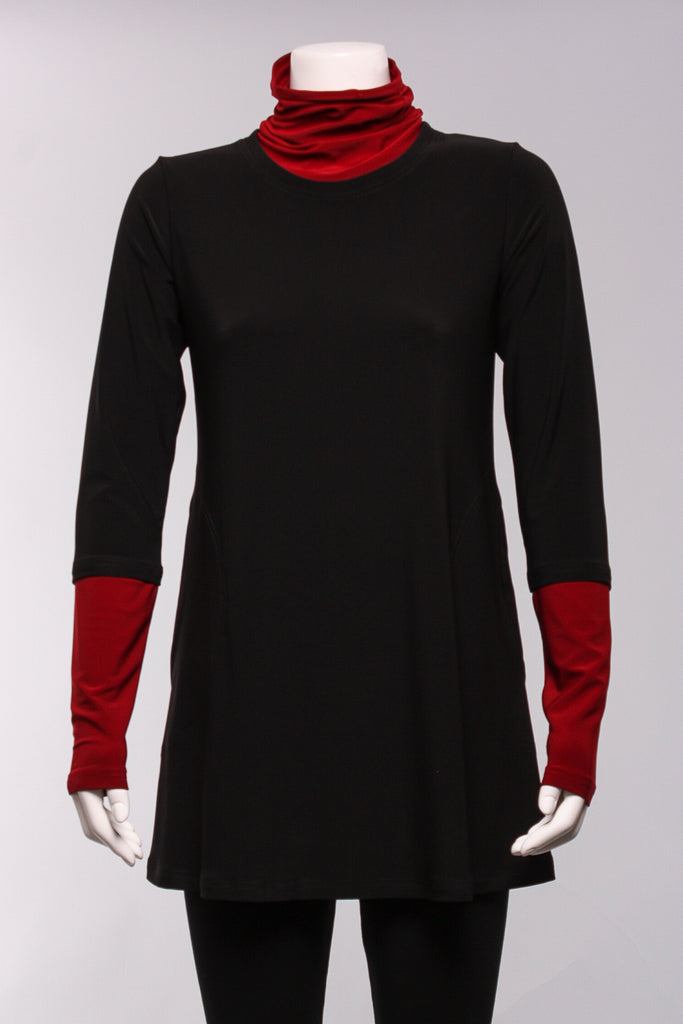Matrix Turtleneck Tunic in Black/Scarlet