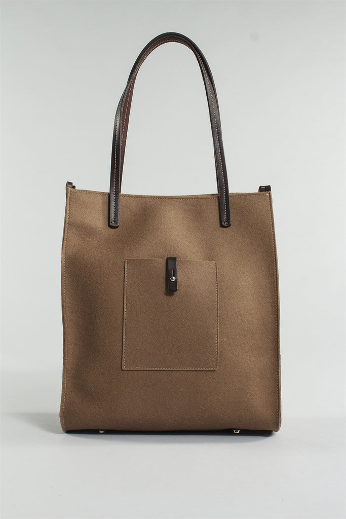 Simple Tote in Sable 6023484783 - SABLE*