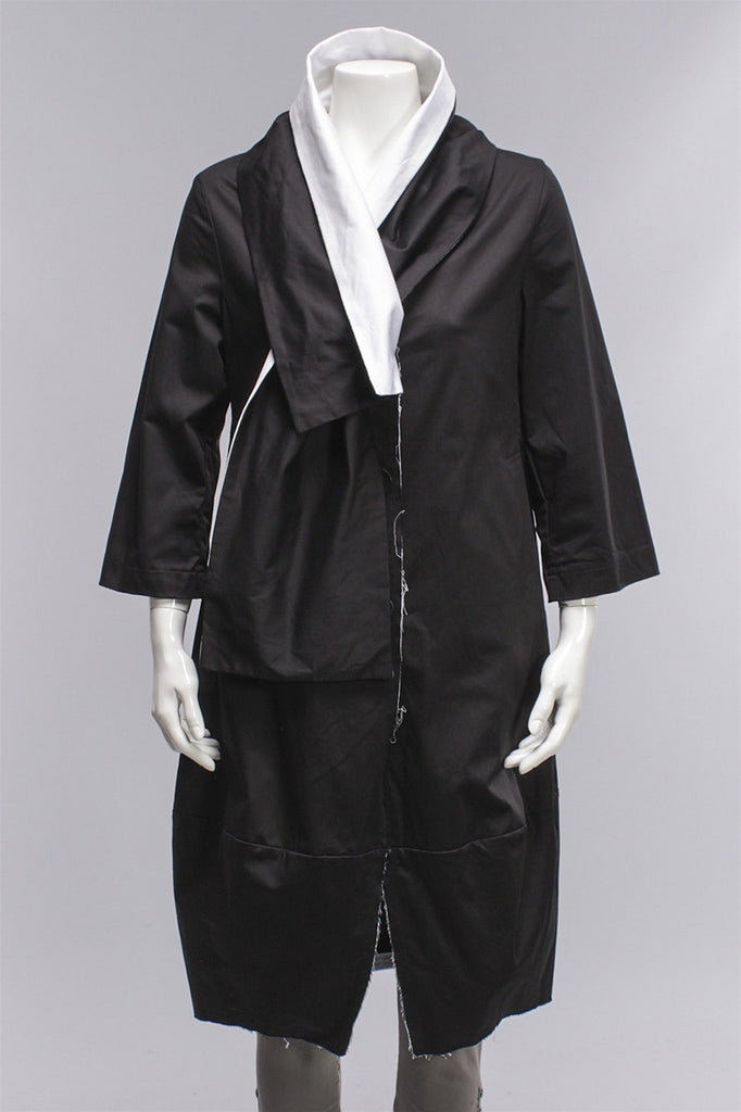 Xenia Design Poro Trench in Black and White Xenia Design Poro Trench - BLK/WHT