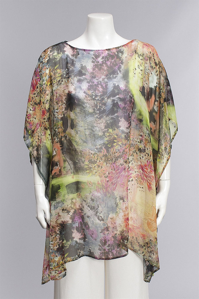 Pina Poncho in Giverny  21573 - GIVERNY