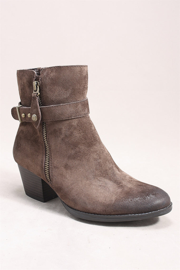 Royal Boot in Chestnut 601633W - CHESTNUT