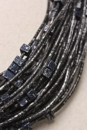 20 Rubber Strand Hand Painted in Navy/Silver