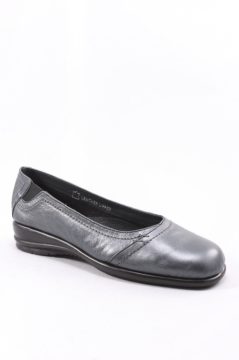 Daffy Shoe in Pewter
