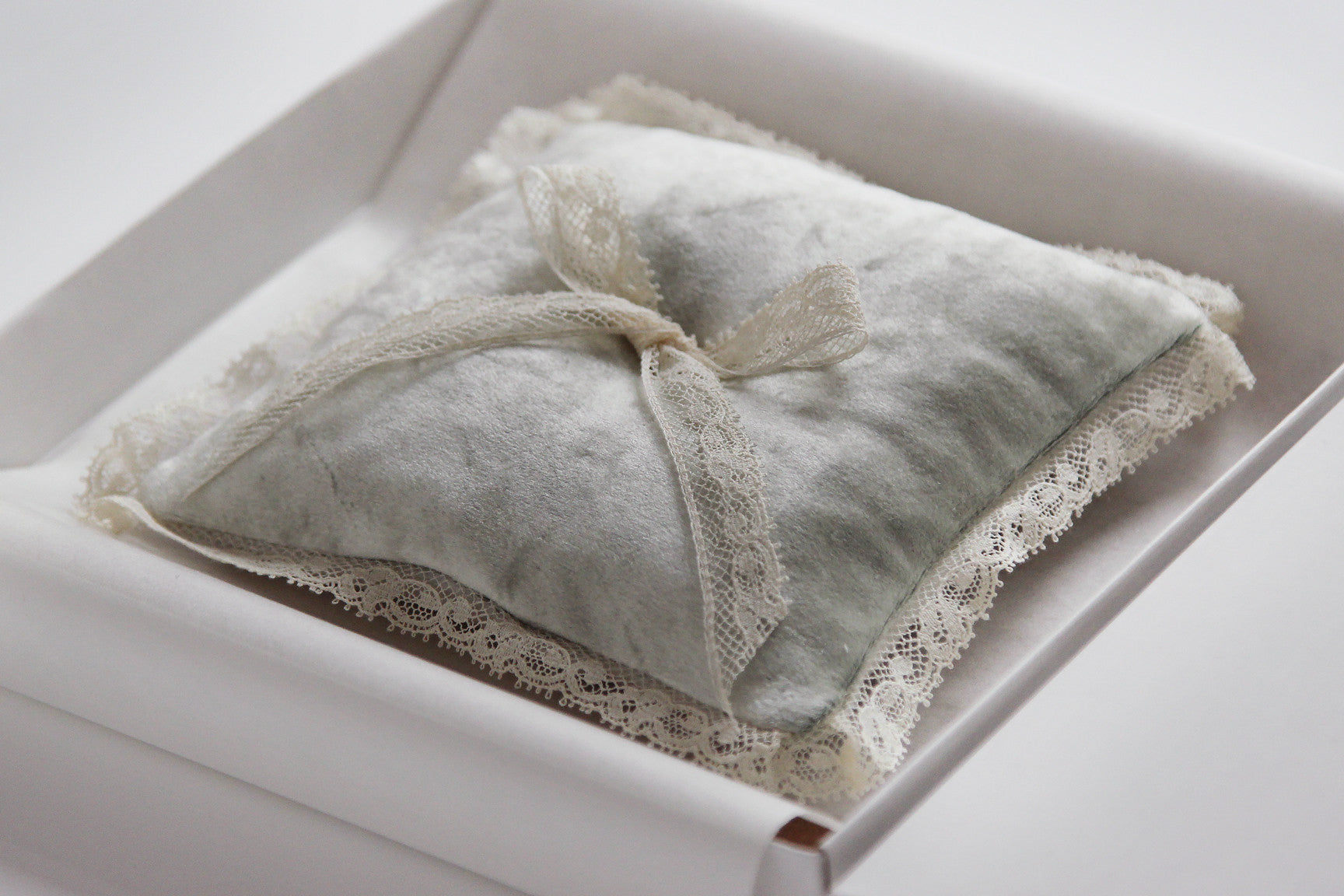 Wedding Ring Pillow Velvet Green Decorated with Lace Bow