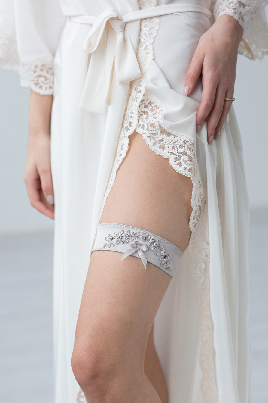 Wedding Bridal Garter Silver Embroidery Flowers by Liumy - Liumy