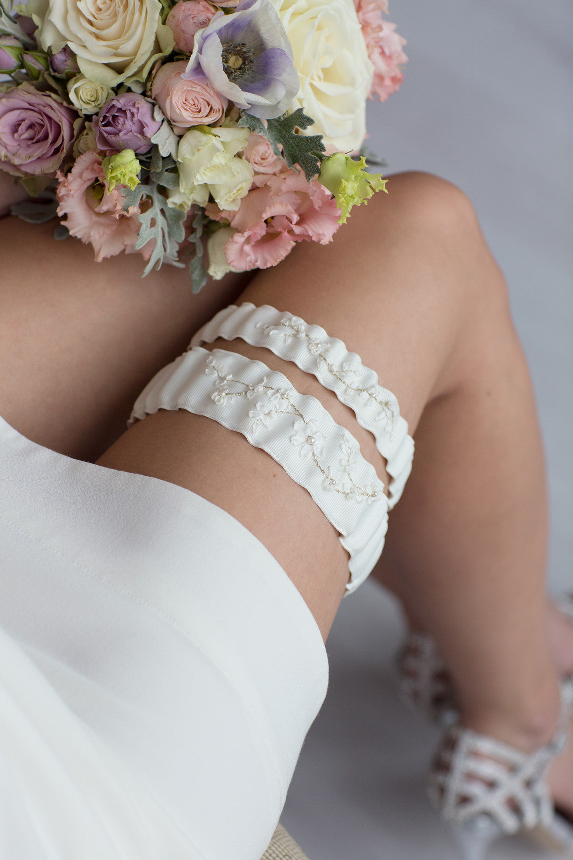White Bridal Garter Ruffle Flower Embroidery by Liumy Design Atelje