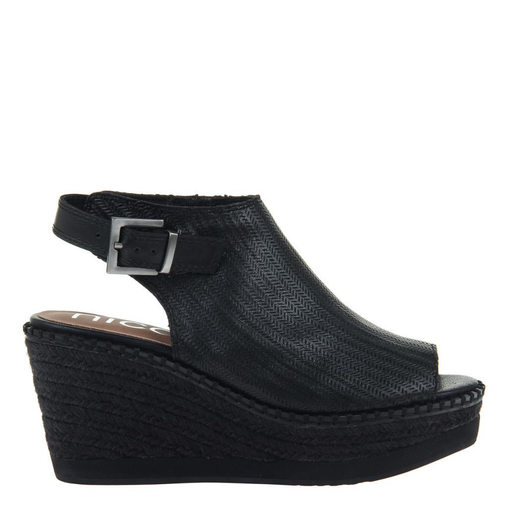 DANETTE in BLACK, right view