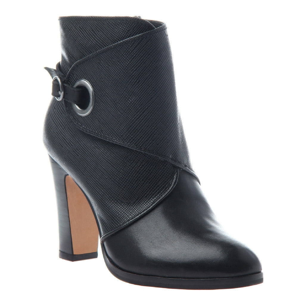 634a1adbdb6 Quinn in Black Ankle Boots