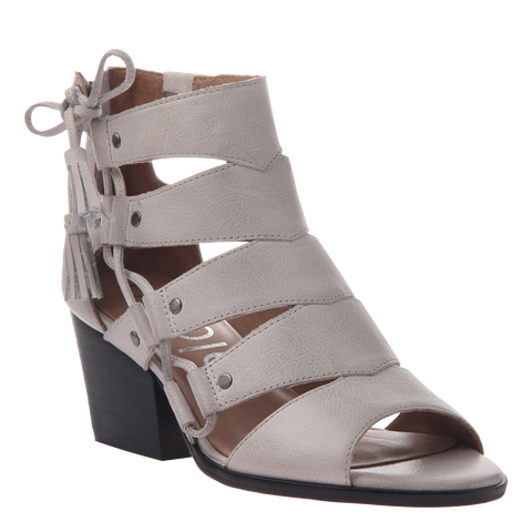Tatiana womens heeled sandal in Light Clay