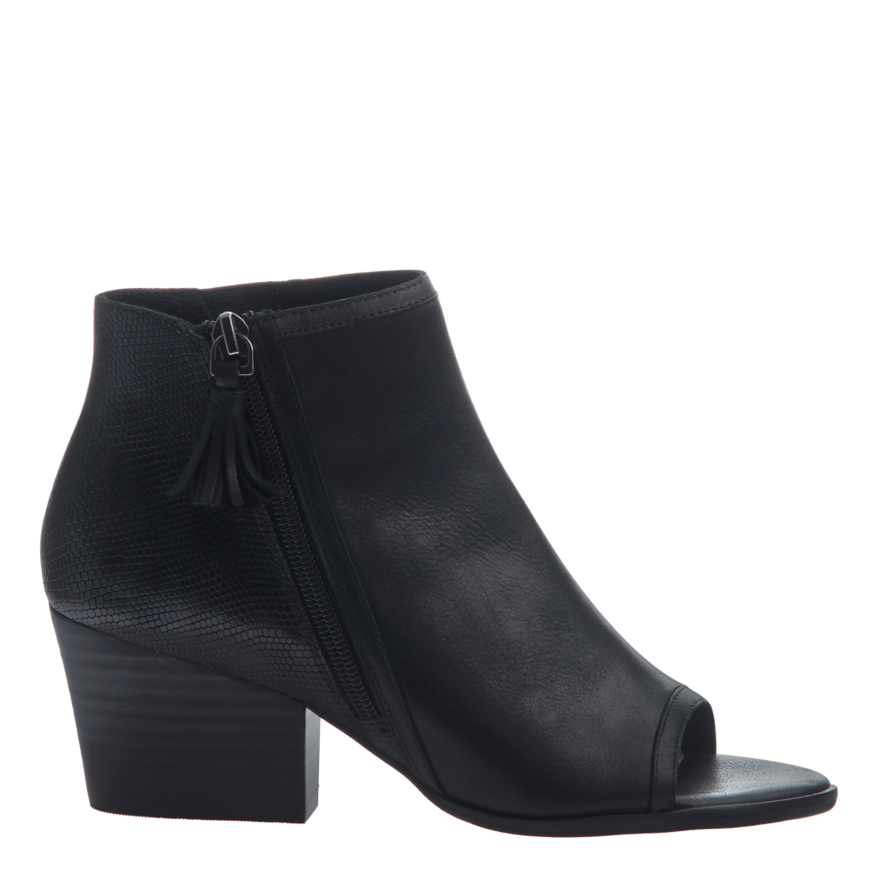 Nicole womens ankle boot Ania in black side view