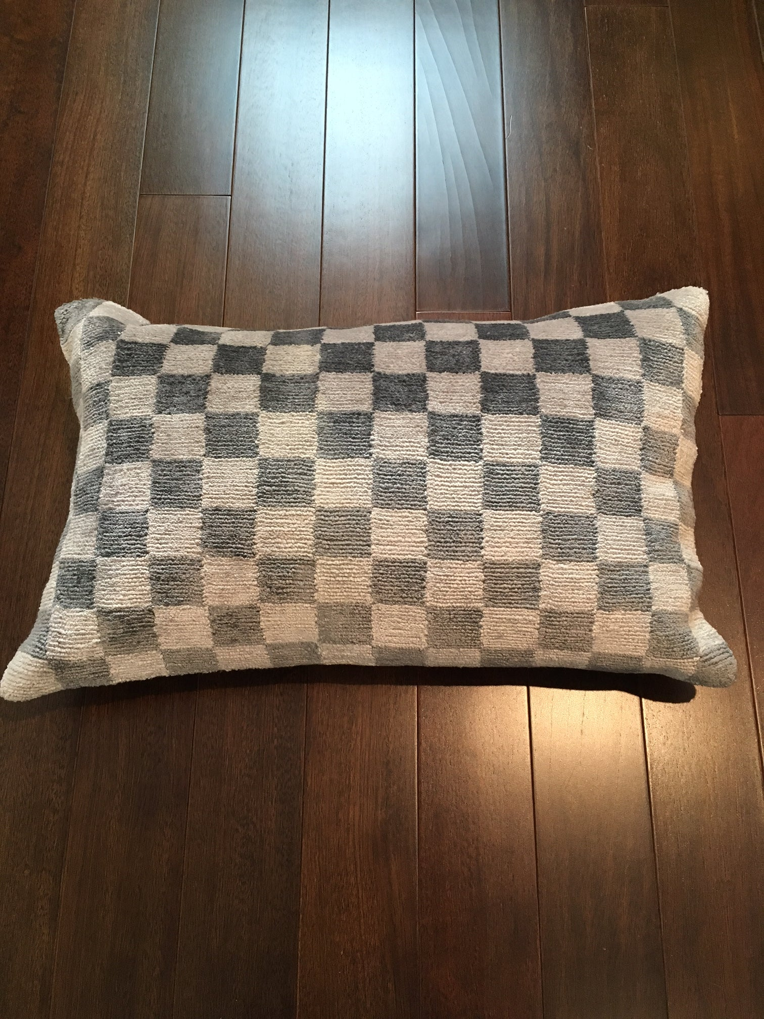 8107 Grey Checkered Design Tibetan Silk Pillow
