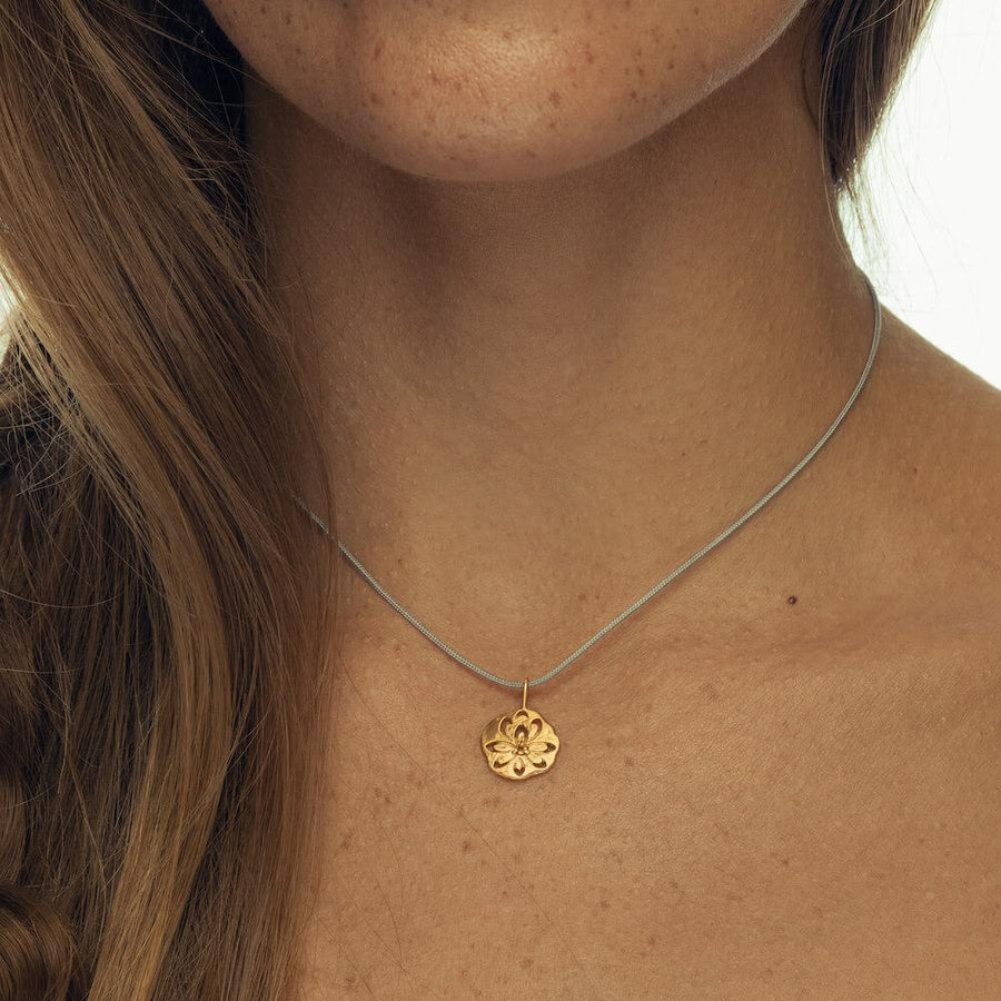 Dare to shine necklace • Gold