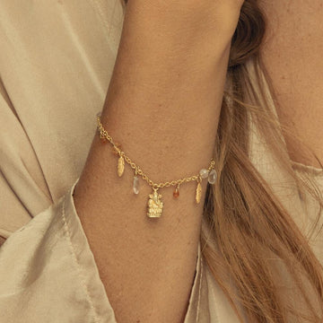 Hold my Hand Bracelet • Gold Vermeil