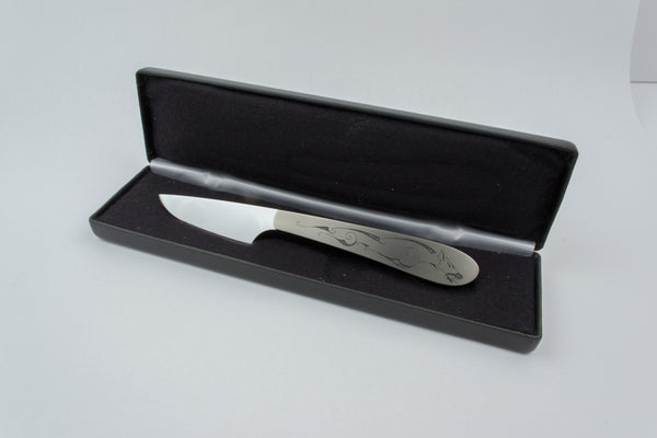 Scalpel style small knife with Hound engraving
