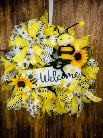 Bumble Bee Welcome Wreath