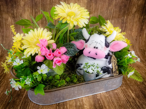 Farmhouse Cowbella Cow Centerpiece