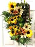 Floral Tobacco Basket Door Hanger