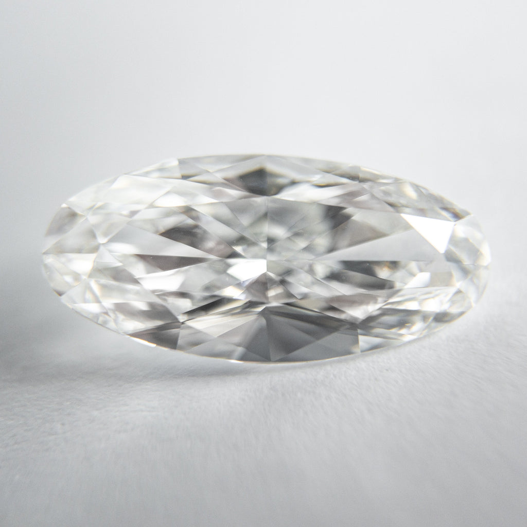 White Brilliant Diamond - 3.01ct Oval